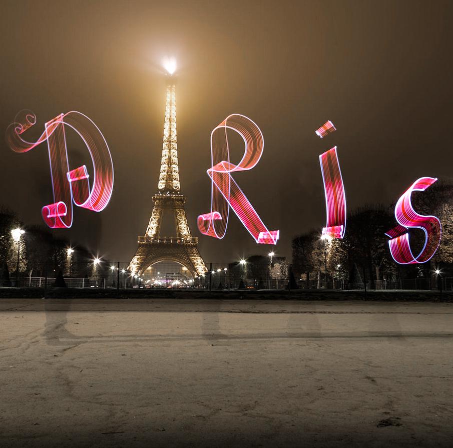 PAris Eifel tower Light painting