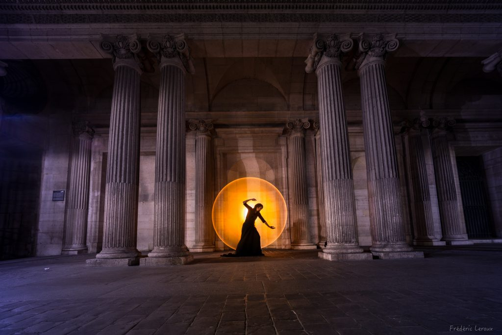 louvre light painting