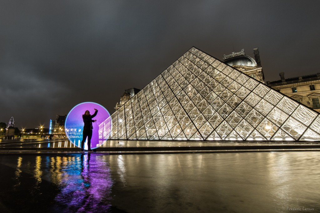pyramide du Louvre Paris LightPainting