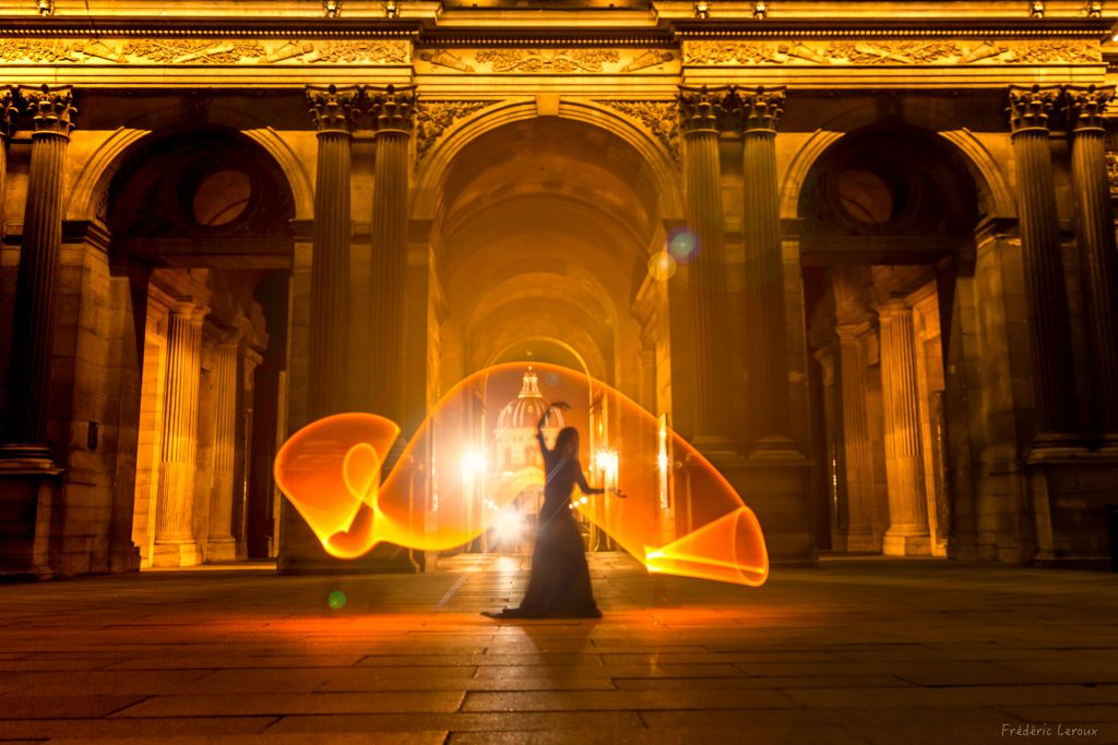 light painting louvre